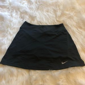 Nike Women's charcoal grey tennis/exercise skort